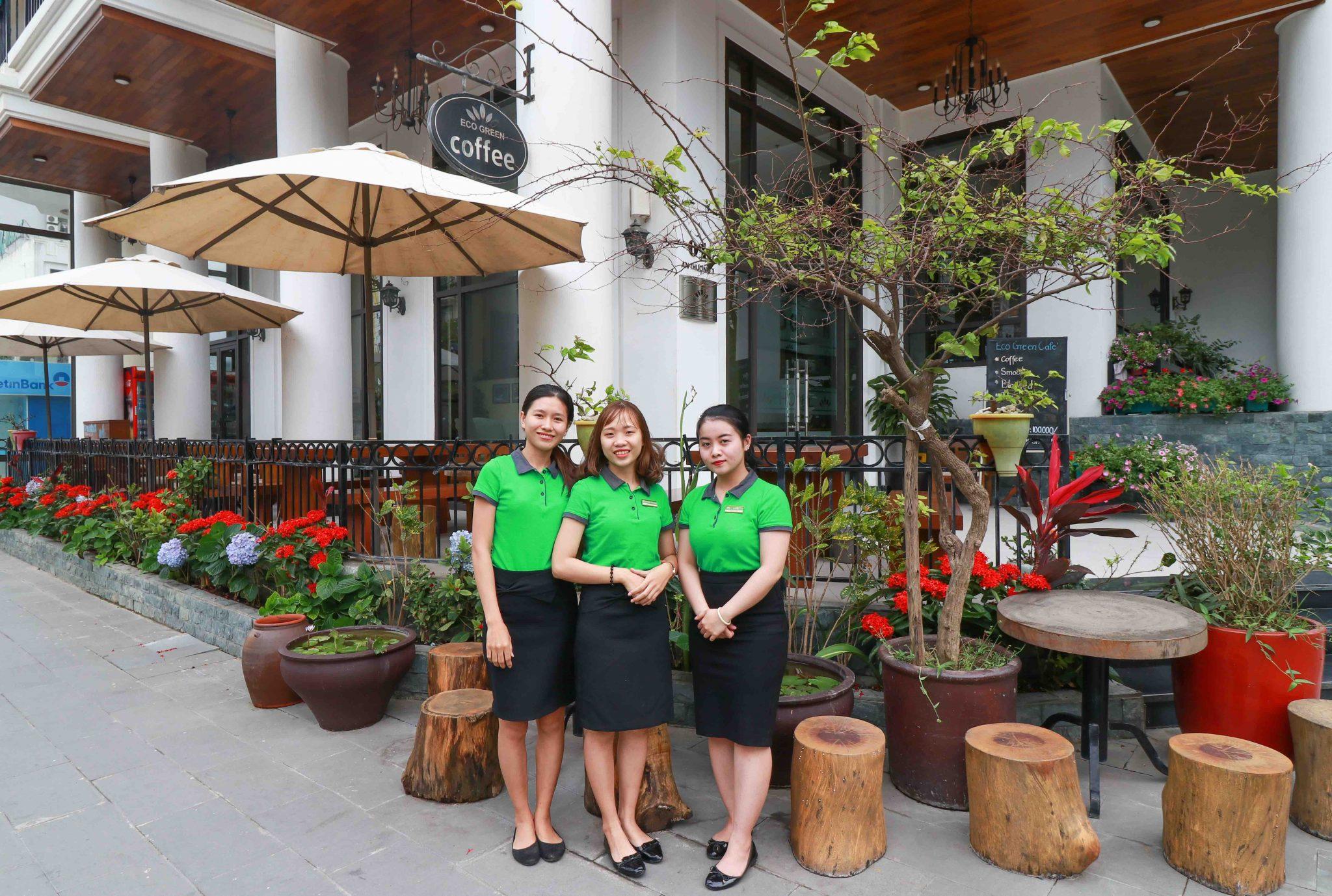 eco-green-boutique-hotel-da-nang-staffs
