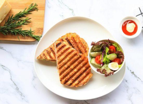 eco-green-cafe-bistro-panini