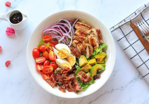 eco-green-cafe-bistro-ultimate-brunch-salad